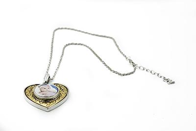 Colliers à pendentif coeur strass avec cabochon en verre