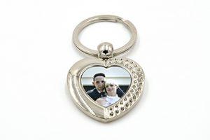 Porte-clés cœur avec ornements en métal