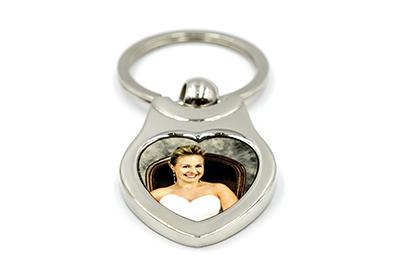 Porte-clés coeur raffiné en métal